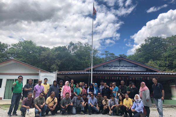 Participants from the Indonesian Ministry of Environment and Forestry visit Thailand. Photo: Lasmita Nurana, ©RECOFTC